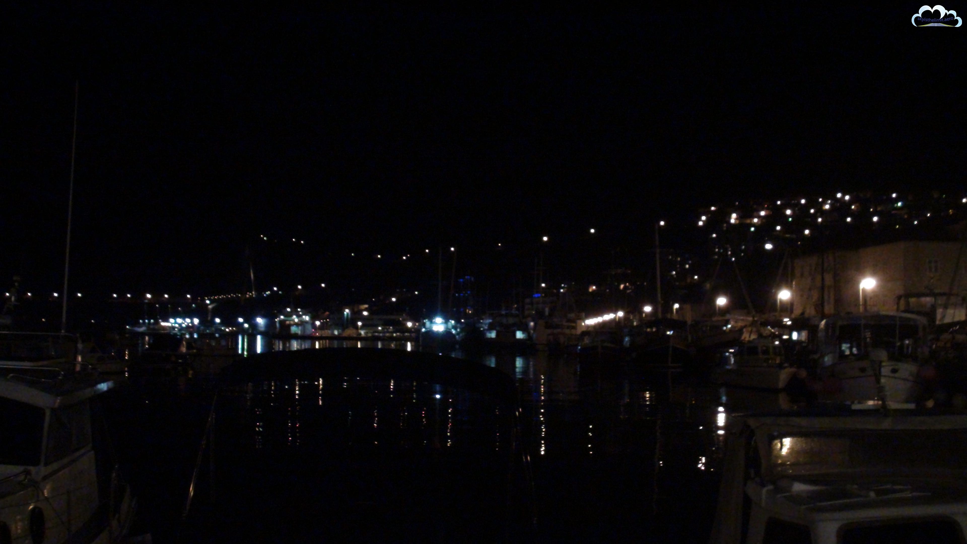 Dubrovnik - nabrzeże portowe nocą