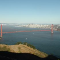 Golden Gate Bridge, a za nim panorama San Francisco