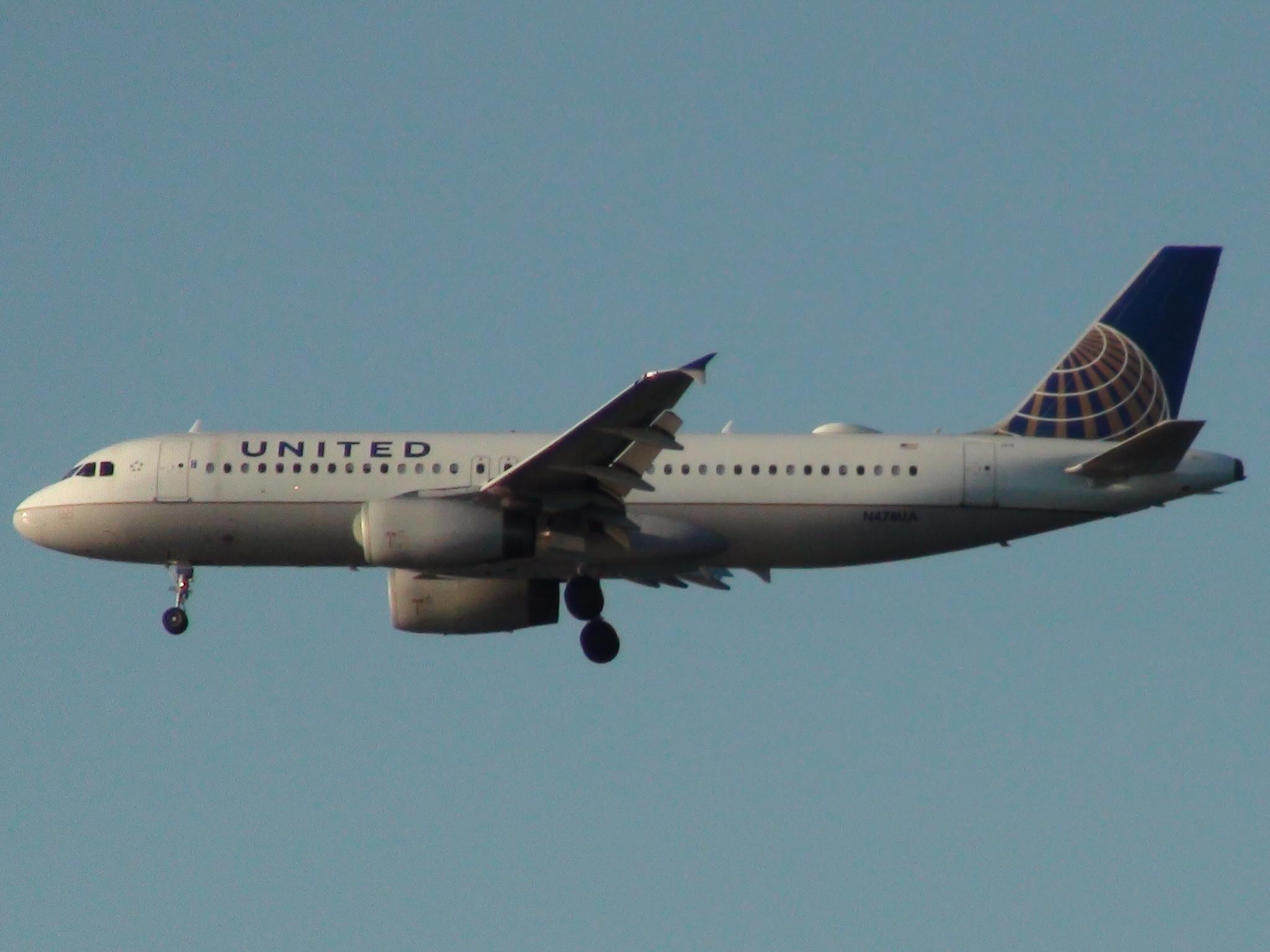 United Airbus A320-232 reg. N478UA