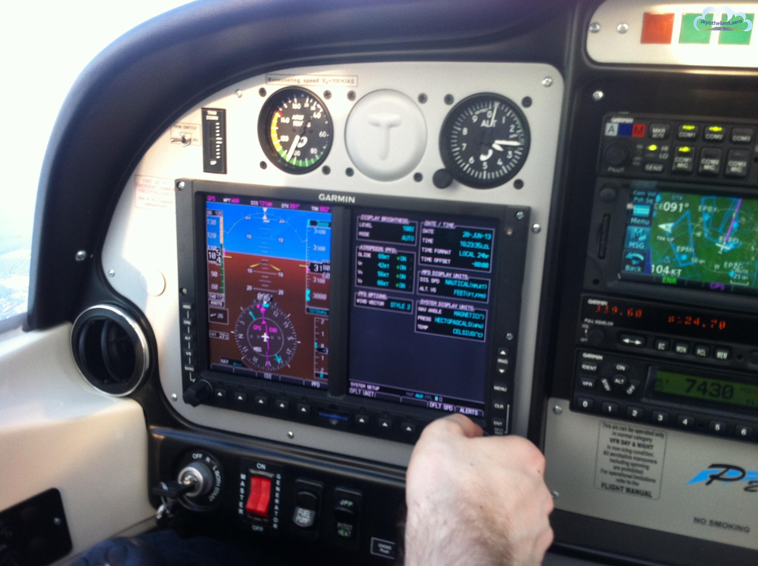 Garmin G500 i GTN650, 3 ekrany i nowoczesna nawigacja obszarowa znacznie podnoszą świadomość sytuacyjną