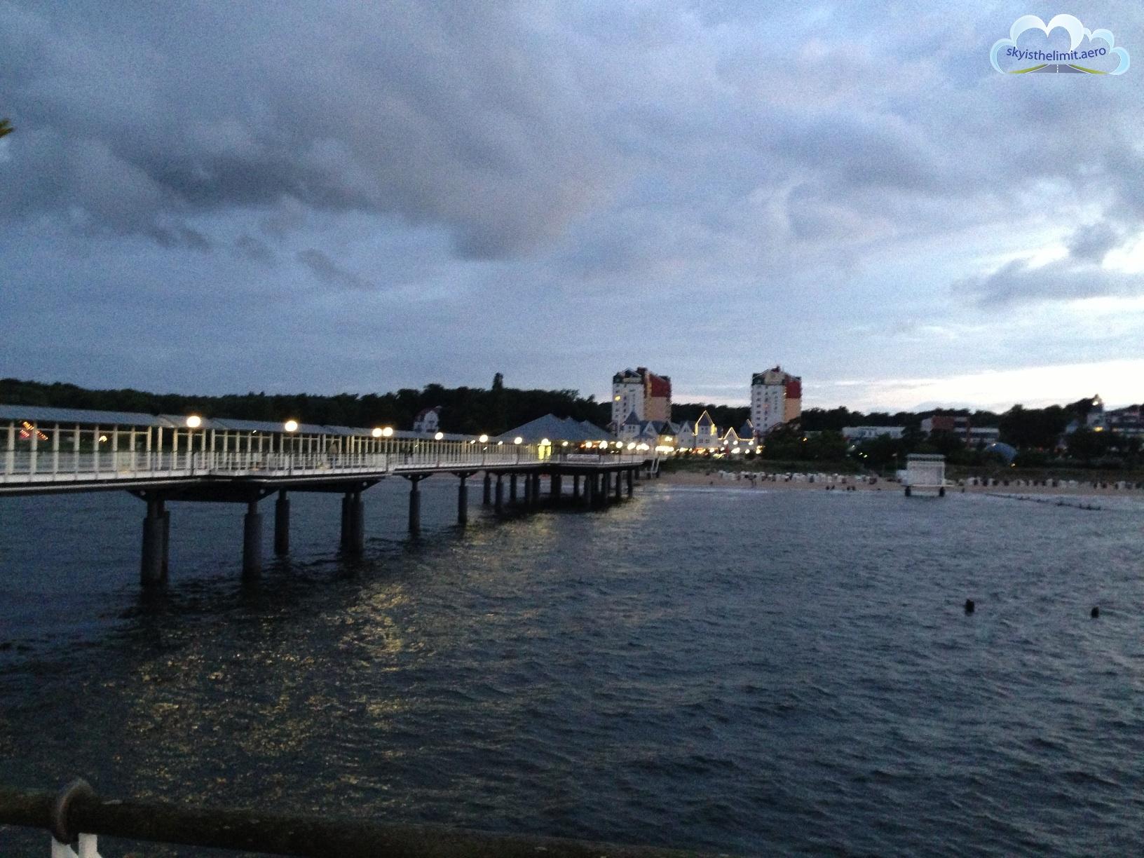 Molo w Heringsdorfie. Niestety znajdująca się na jego końcu restauracja jest otwarta tylko do 22:00.