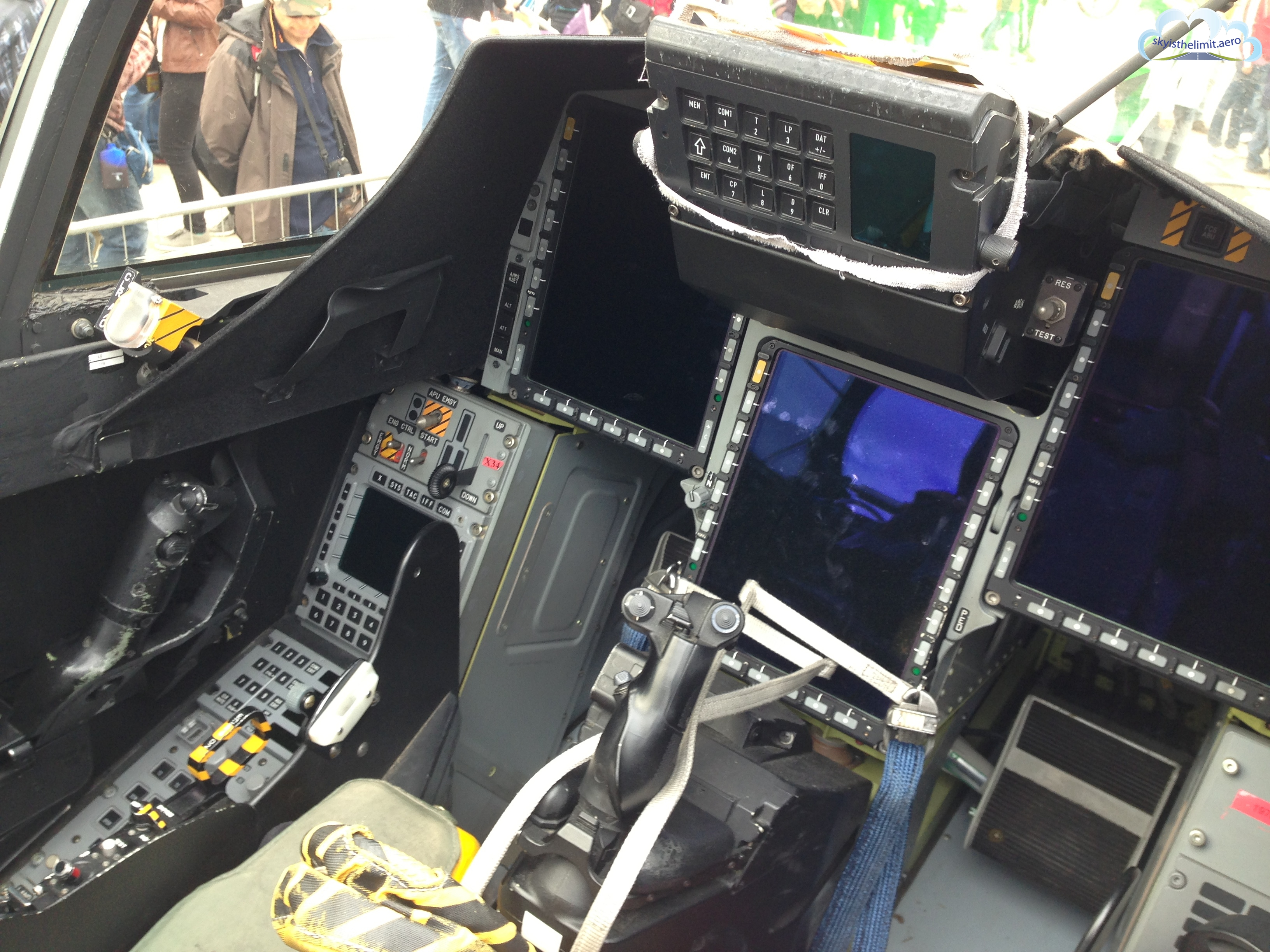Nowoczesny kokpit Saab Jas-39 Gripen