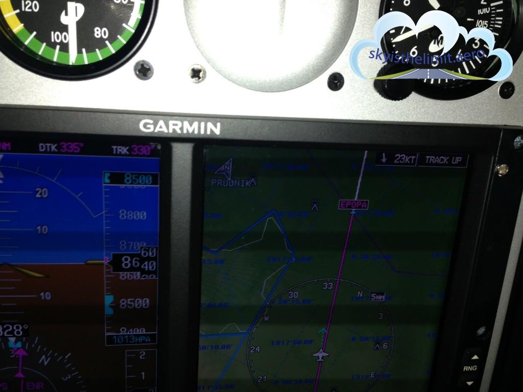 Nawigacja obszarowa to podstawa. Ponad 20kt komponentu czołowego wiatru nie pomaga.
