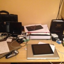 Moje biurko - wnowym domu mam już ładniejsze itrochę mniejszy bałagan.