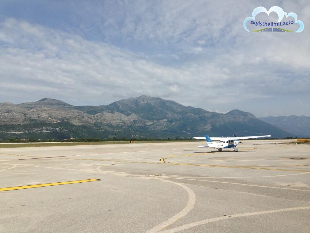 Dubrovnik-Cilipi (LDDU) - jedno z najpiękniej położonych lotnisk.