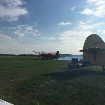 Przygotowujący się dostartu An-2 nalotnisku Olsztyn-Dajtki