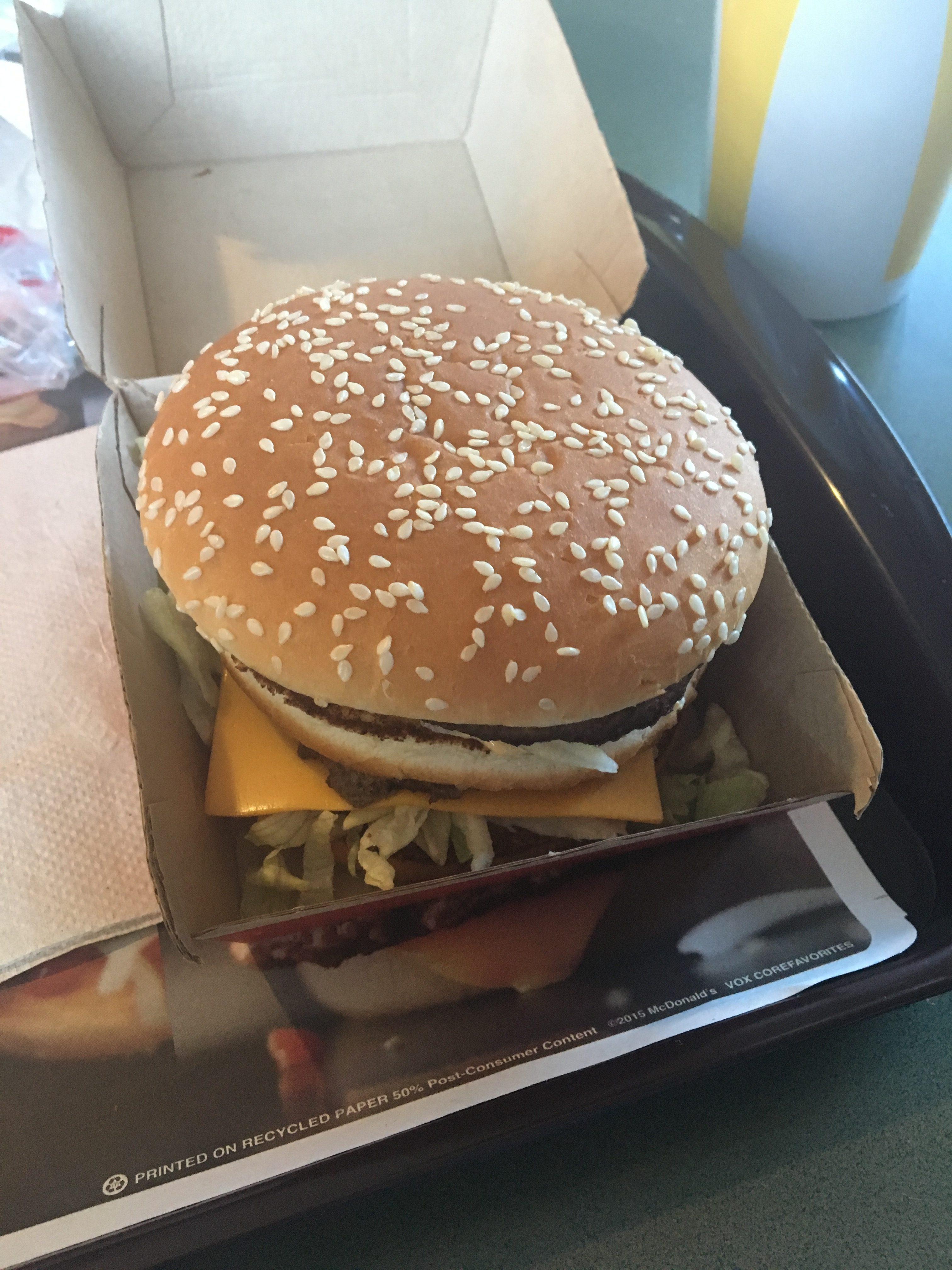 Big Mac wygląda i smakuje tak samo ale Mc Donalds' to stołówki przypominające wczesne lata 90' w Polsce.