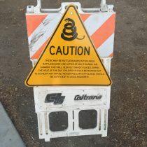 Camp Roberts Rest Area, uwaga na węże