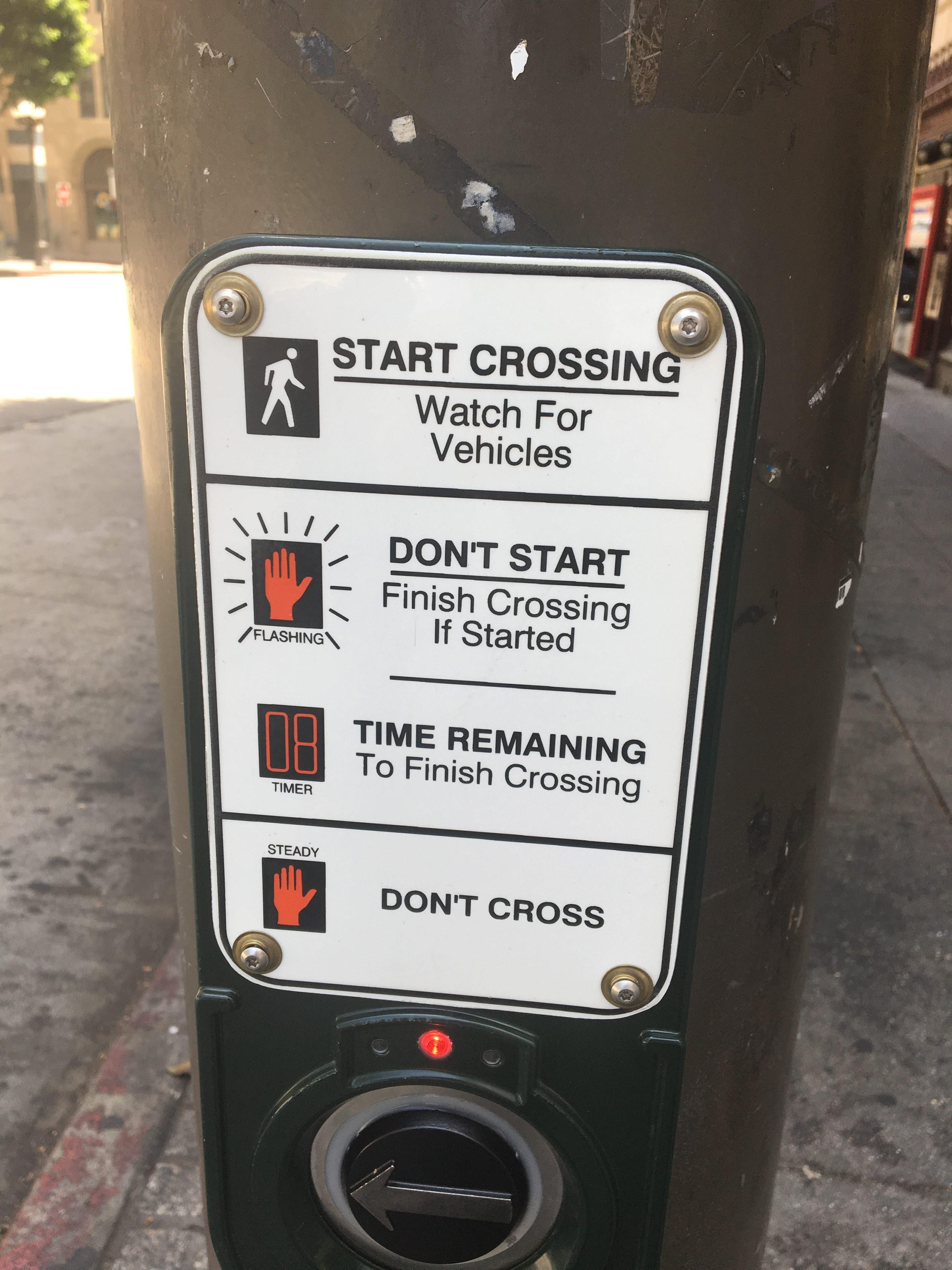 Los Angeles, objaśnienie znaczenia sygnalizacji świetlnej