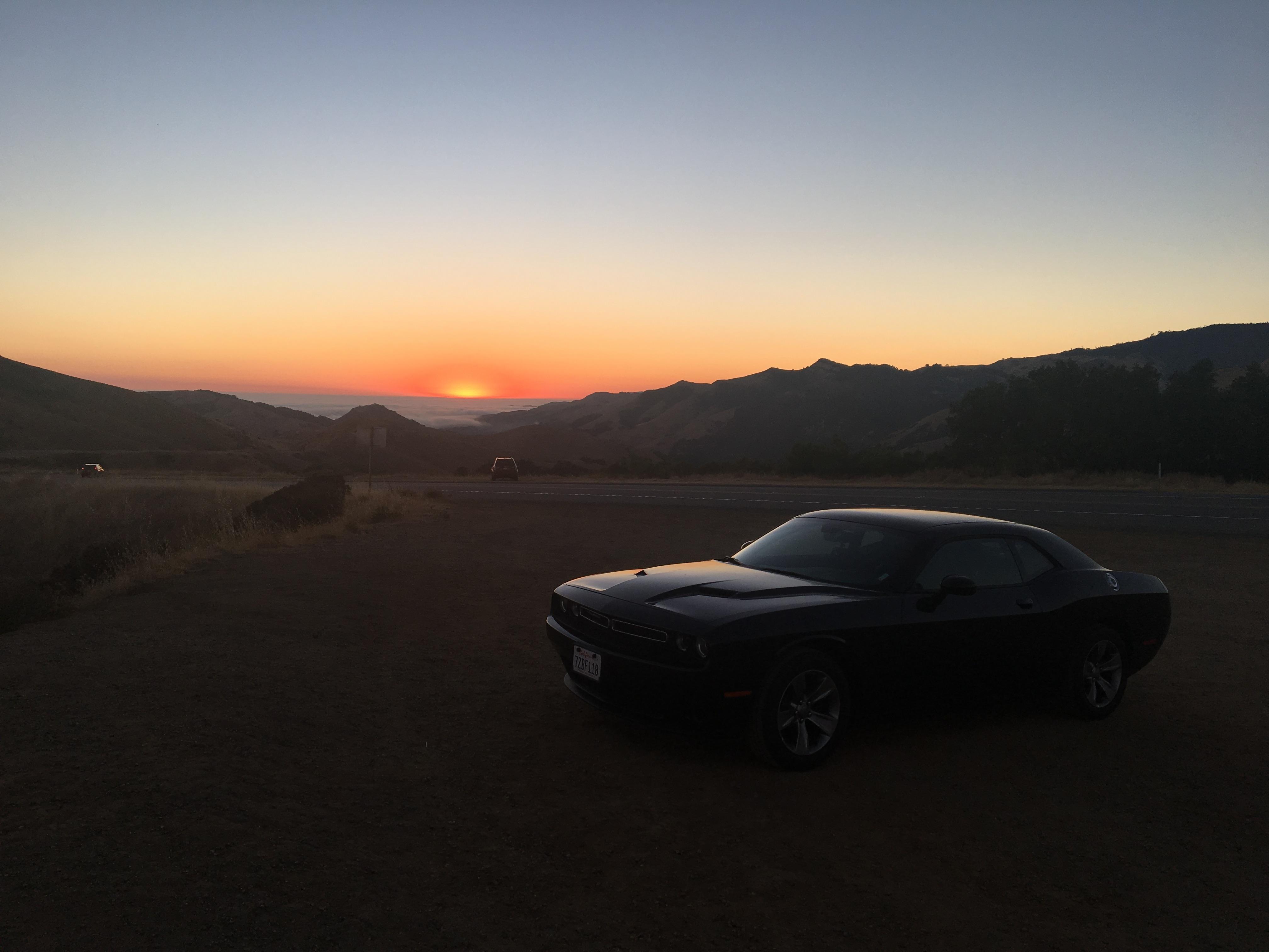 Na Green Valley Road podziwiam zachód Słońca.