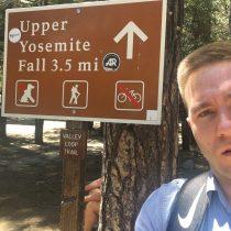 Początek szlaku do Yosemite Falls