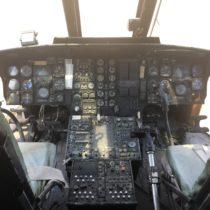 Kokpit śmigłowca Sikorsky CH-3E Jolly Green Giant