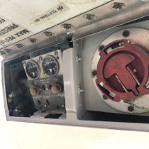 Single point refuelling - czyli tankowanie całego samolot, podciśnieniem, zjednego miejsca naprawym skrzydle.