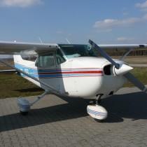 Cessna 172P CP-CES na lądowisku Żerniki-Gądki EPZE