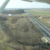 Droga ekspresowa S-11 za DER drogi startowej 24 lądowiska Żerniki-Gądki