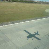 Droga Startowa 28, EPPO, cień samolotu Cessna 172P SP-CES