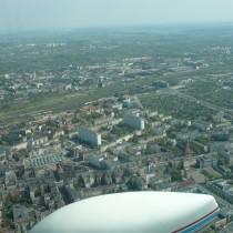 Poznań, Łazarz i Wilda oddzielone torami kolejowymi.