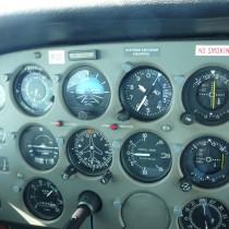 Cessna 172P, SP-CES, panel przyrządów