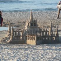 To jest jeszcze zamek z piasku czy już dzieło sztuki?