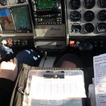 Biurko prawie 3 km nadziemią, czyli praktyka zadań zplanowania lotu.