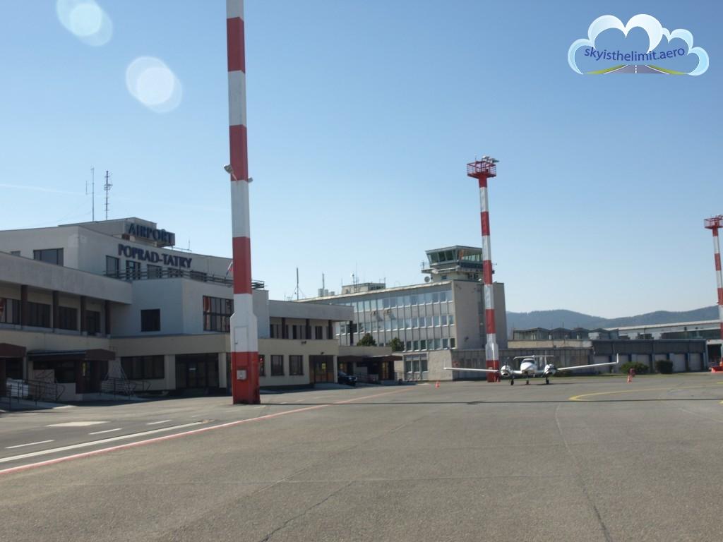 Płyta lotniska (Apron) Poprad Tatry - LZTT