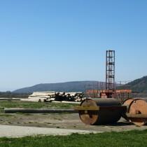 Kamenica nad Cirochou (LZKC), w tle górki w kręgu nadlotniskowym.